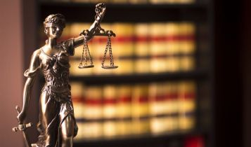 Law & Legal & Attorney: The Right Time to Contact a Divorce Lawyer